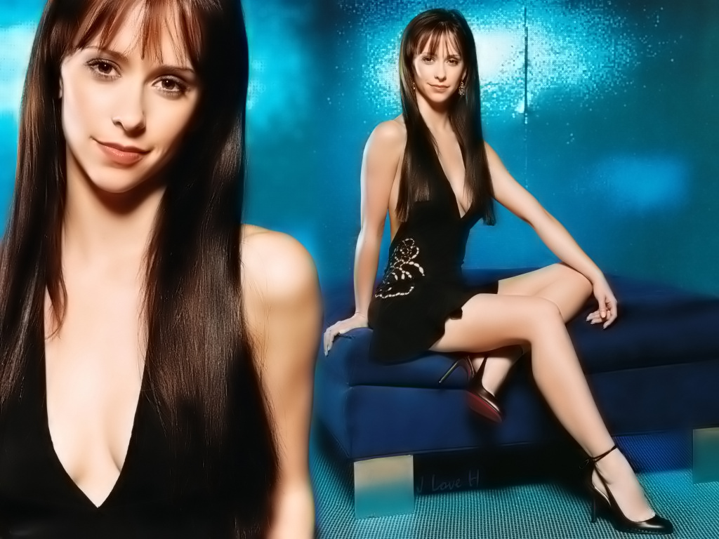 Jennifer Love Hewitt hot 2011